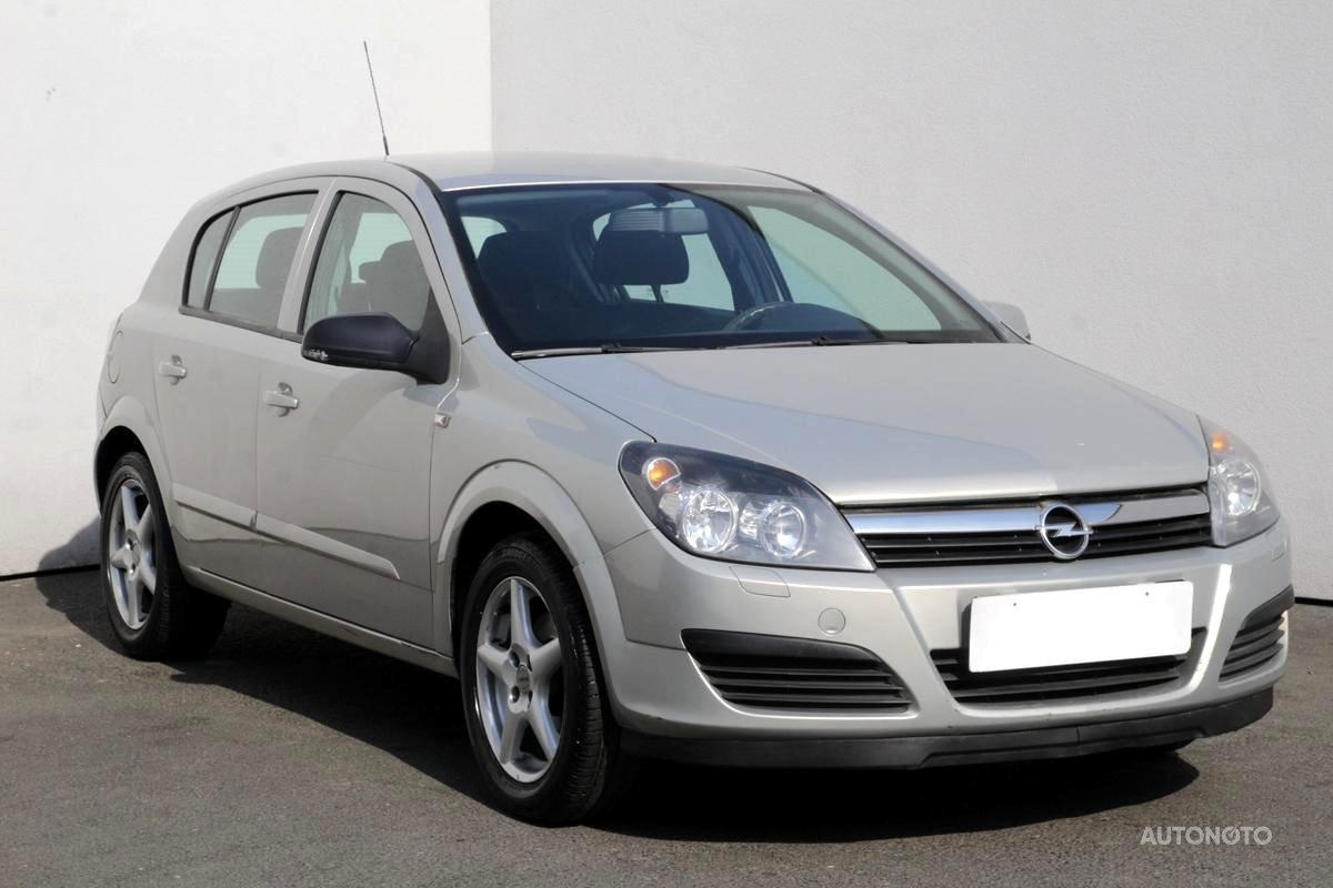 Opel Astra, 2006 - celkový pohled