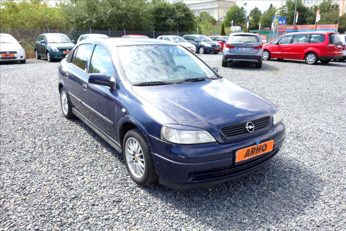 Opel Astra, 2002 - celkový pohled