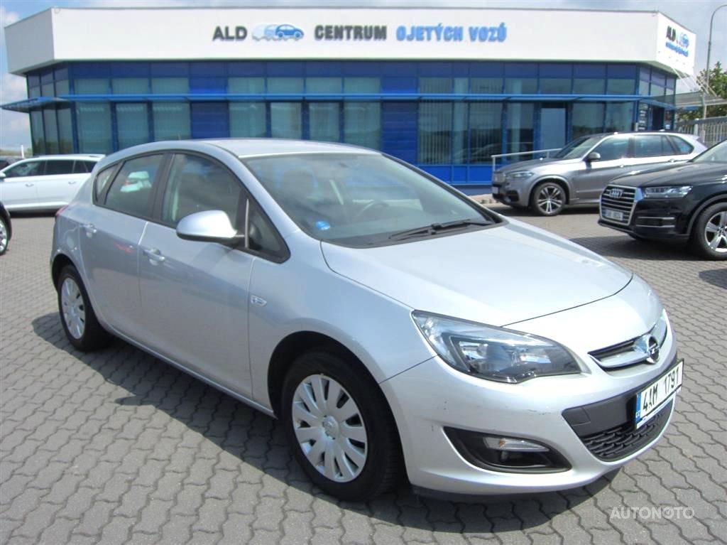 Opel Astra, 2015 - celkový pohled