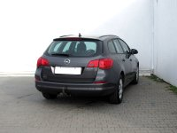Opel Astra, 2012 - pohled č. 5