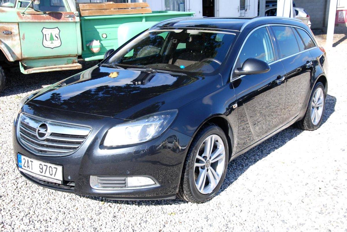 Opel Insignia, 2012 - celkový pohled
