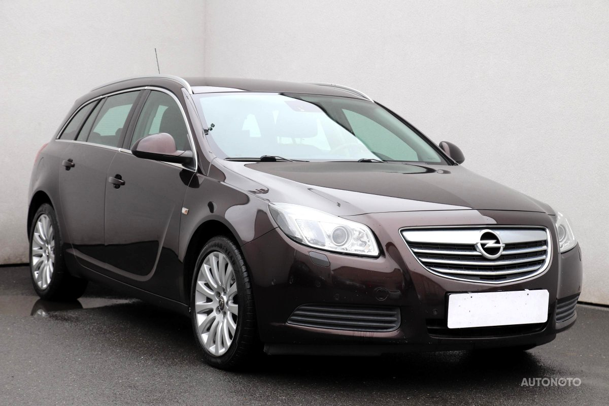 Opel Insignia, 2011 - pohled č. 1