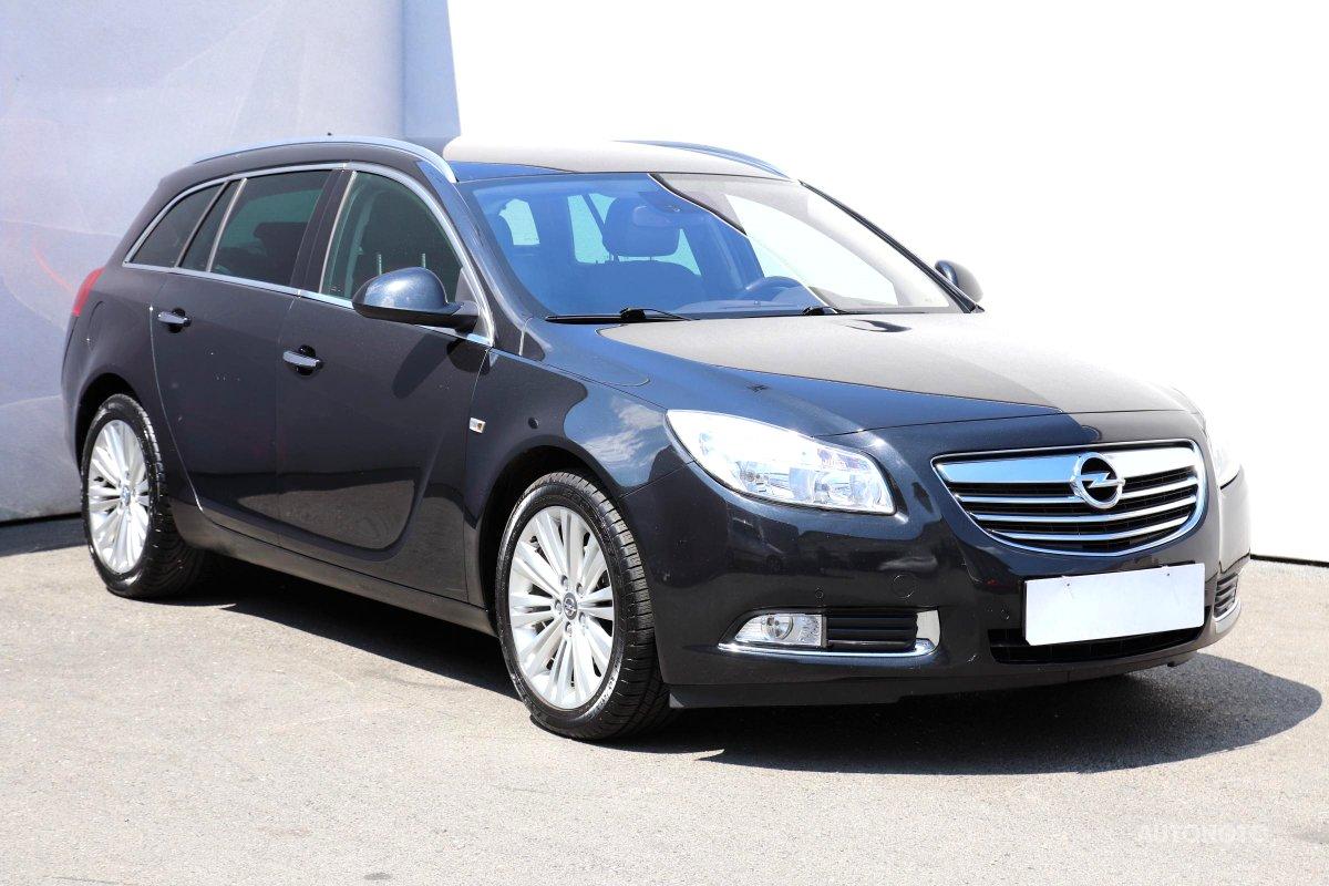 Opel Insignia, 2011 - celkový pohled