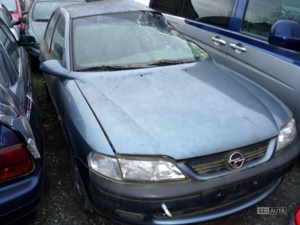 Opel Vectra, 1998 - celkový pohled