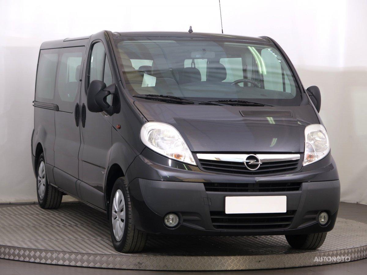 Opel Vivaro, 2011 - celkový pohled