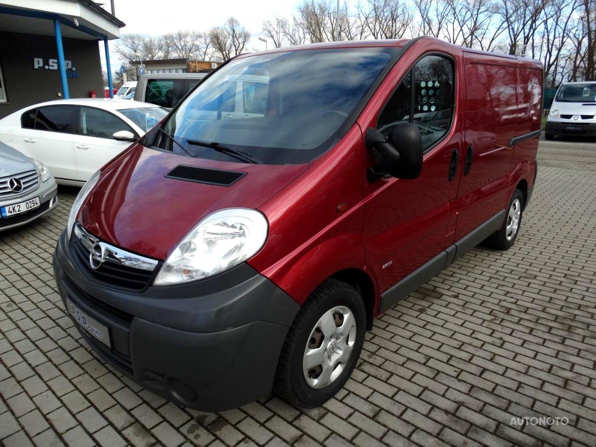 Opel Vivaro, 2010 - celkový pohled