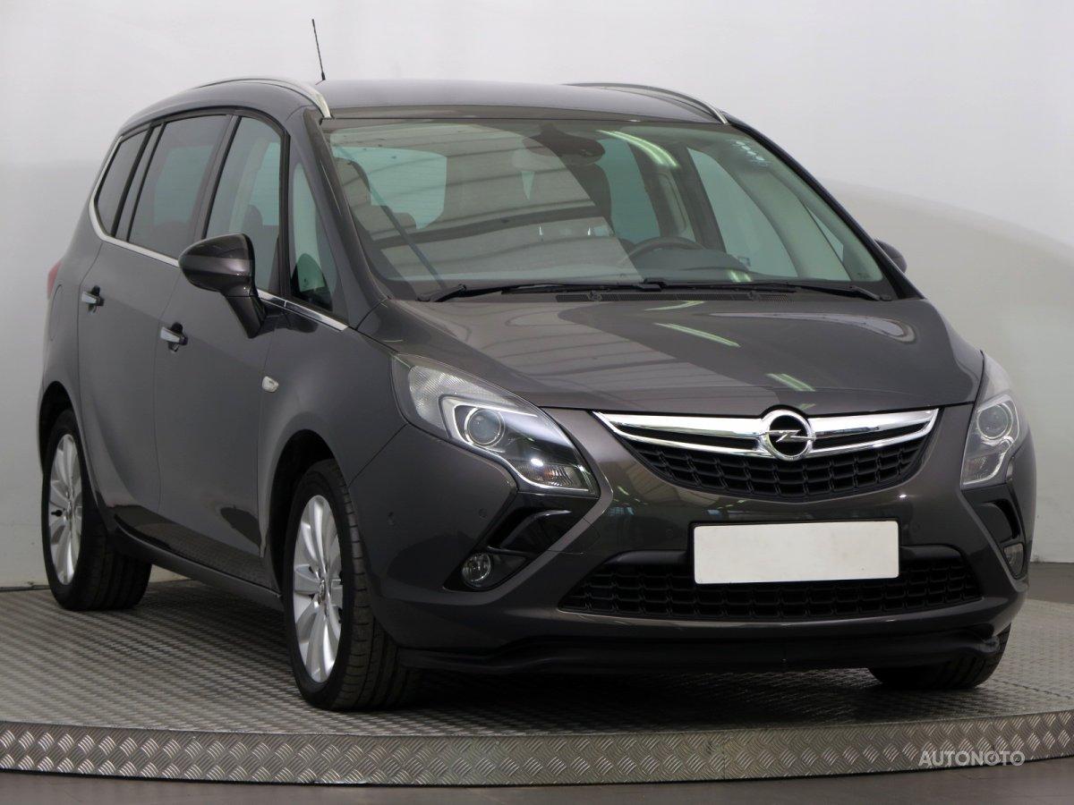 Opel Zafira Tourer, 2013 - celkový pohled