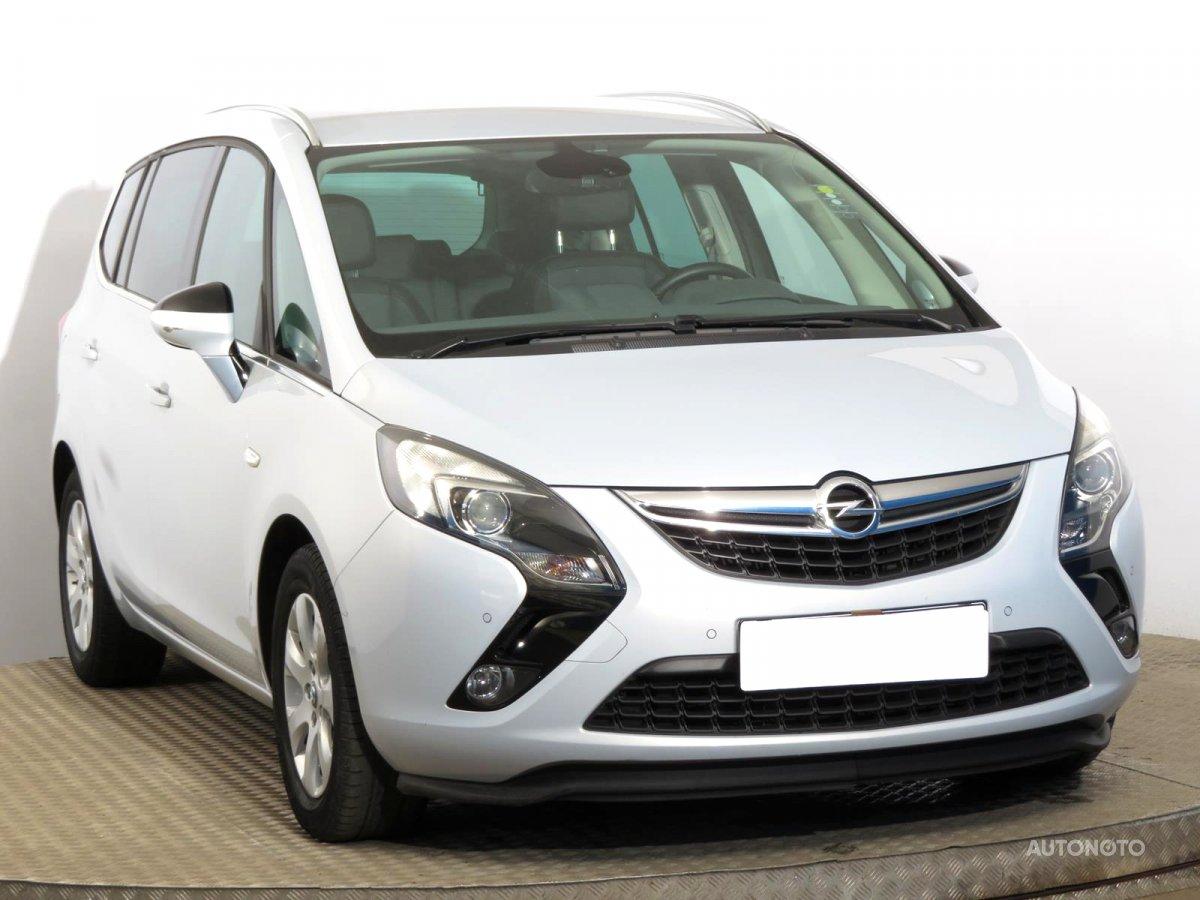 Opel Zafira Tourer, 2014 - celkový pohled