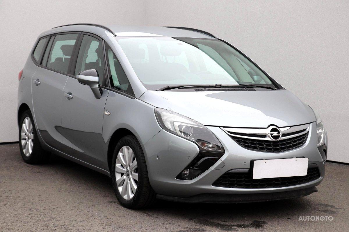 Opel Zafira, 2015 - celkový pohled