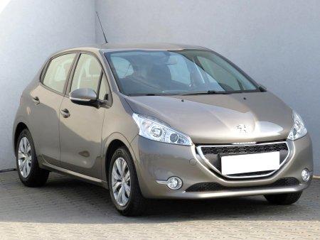 Peugeot 208, 2013