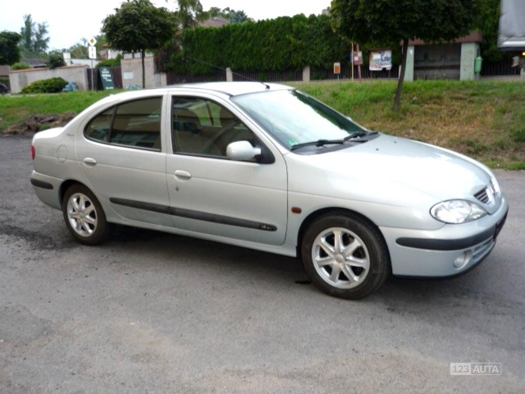 Renault Mégane, 2001 - celkový pohled