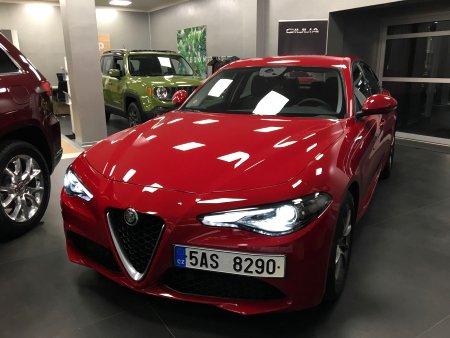Alfa Romeo Giulia, 2016