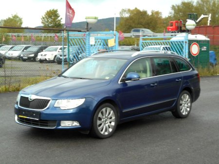 Škoda Superb Combi, 2011
