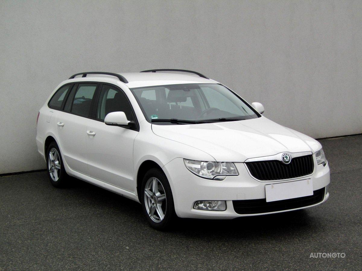 Škoda Superb, 2012 - celkový pohled