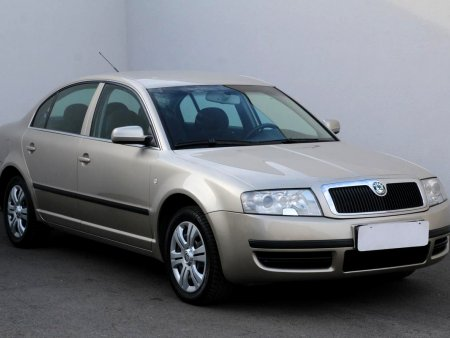 Škoda Superb, 2005