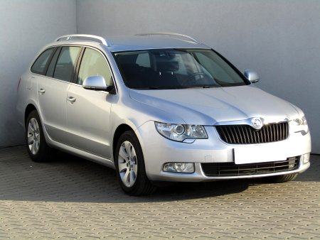Škoda Superb, 2011