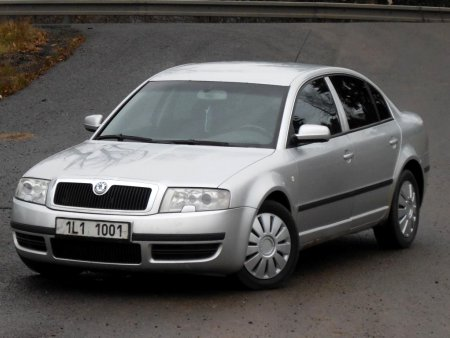 Škoda Superb, 2002