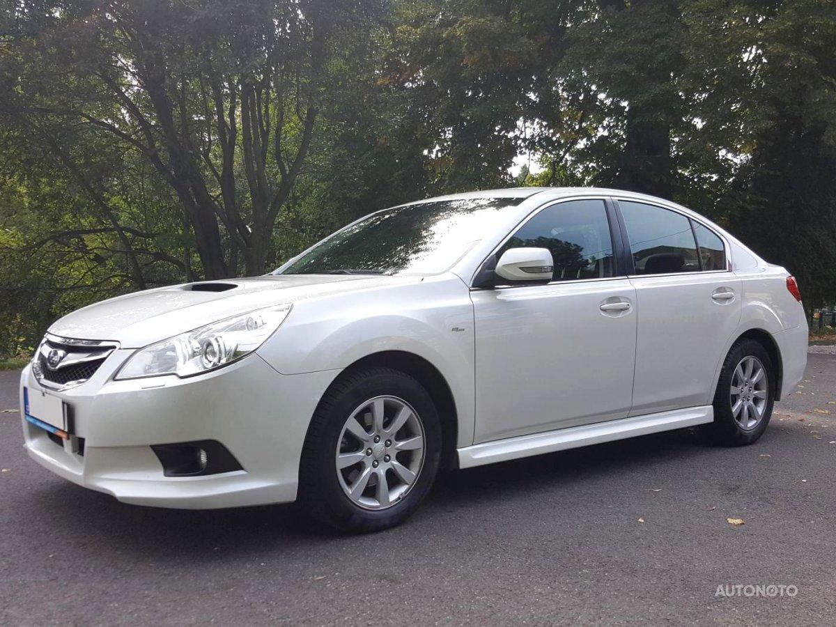 Subaru Legacy, 2011 - celkový pohled