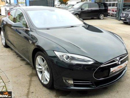 Tesla Model S, 2015
