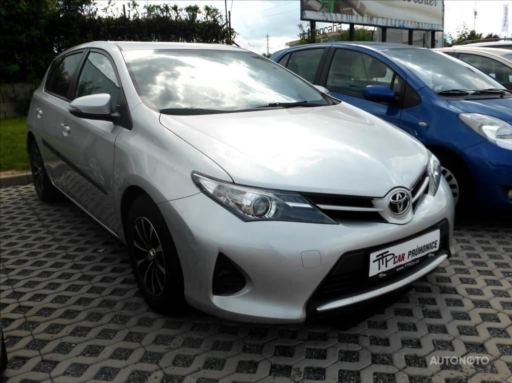 Toyota Auris, 2013 - celkový pohled