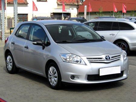 Toyota Auris, 2010