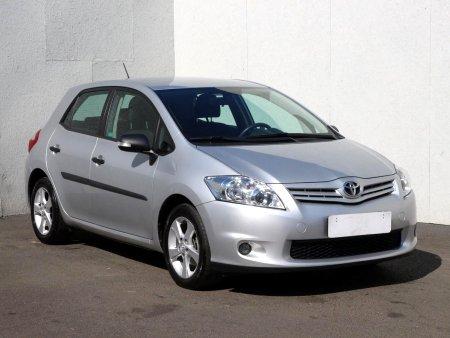Toyota Auris, 2011
