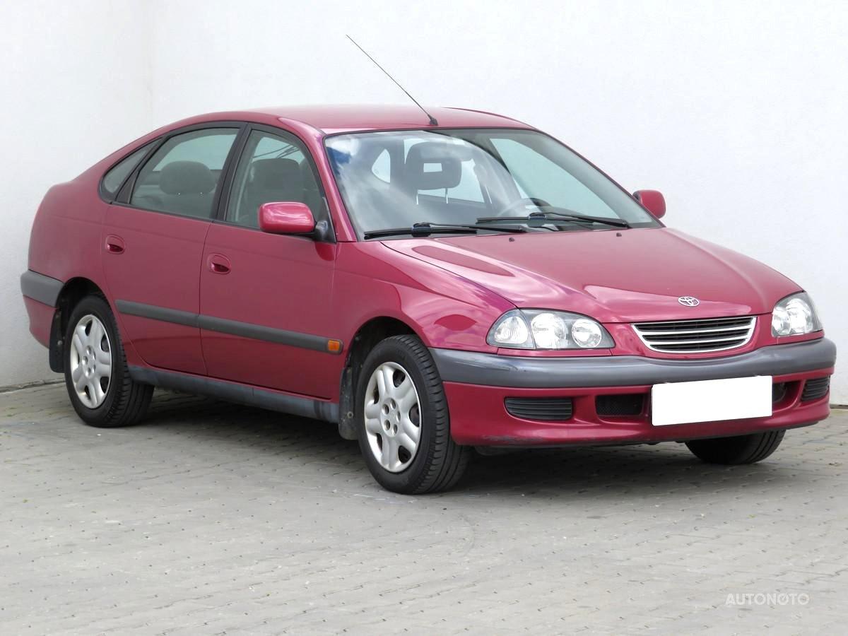 Toyota Avensis, 1999 - celkový pohled
