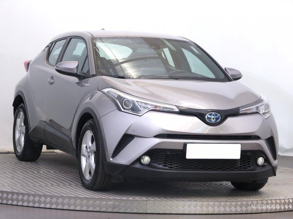 Toyota C-HR, 2016 - celkový pohled