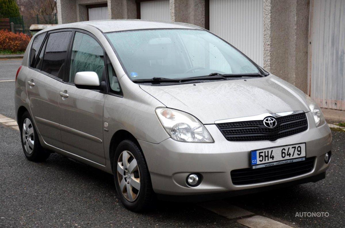 Toyota Corolla Verso, 2003 - celkový pohled
