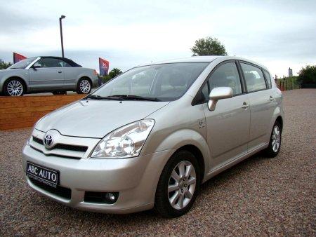 Toyota Corolla Verso, 2005