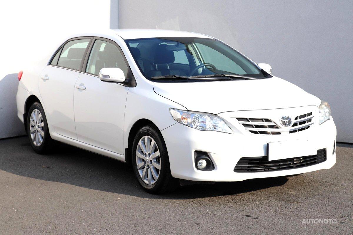 Toyota Corolla, 2013 - celkový pohled