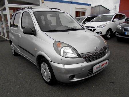 Toyota Yaris, 2000