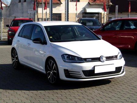 Volkswagen Golf, 2015