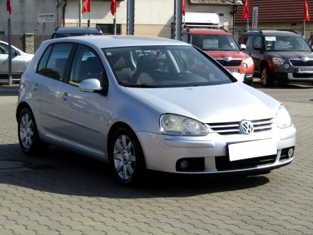 Volkswagen Golf, 2004