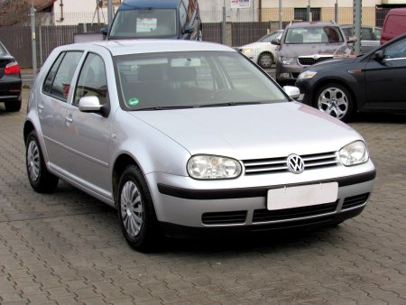 Volkswagen Golf, 2003