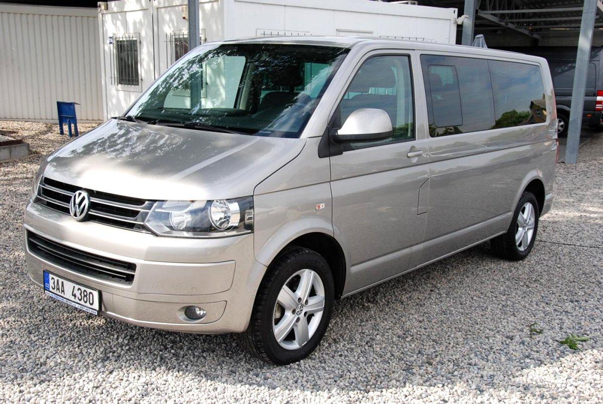 Volkswagen Multivan, 2010 - celkový pohled