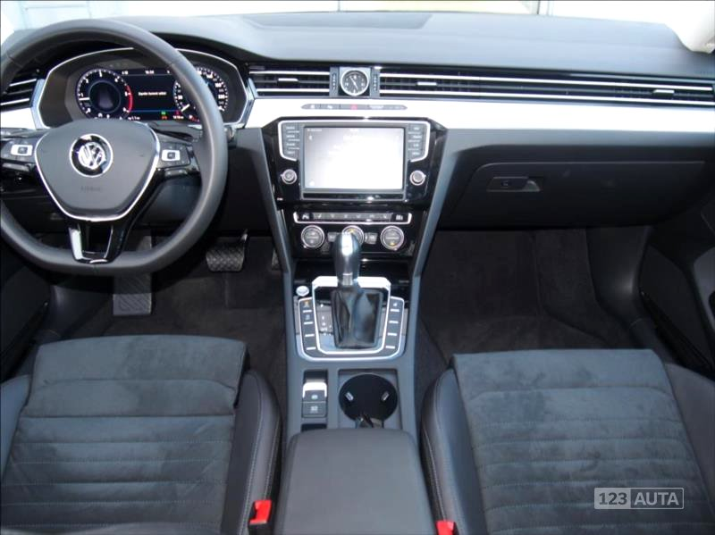 Volkswagen Passat, 2017 - pohled č. 10