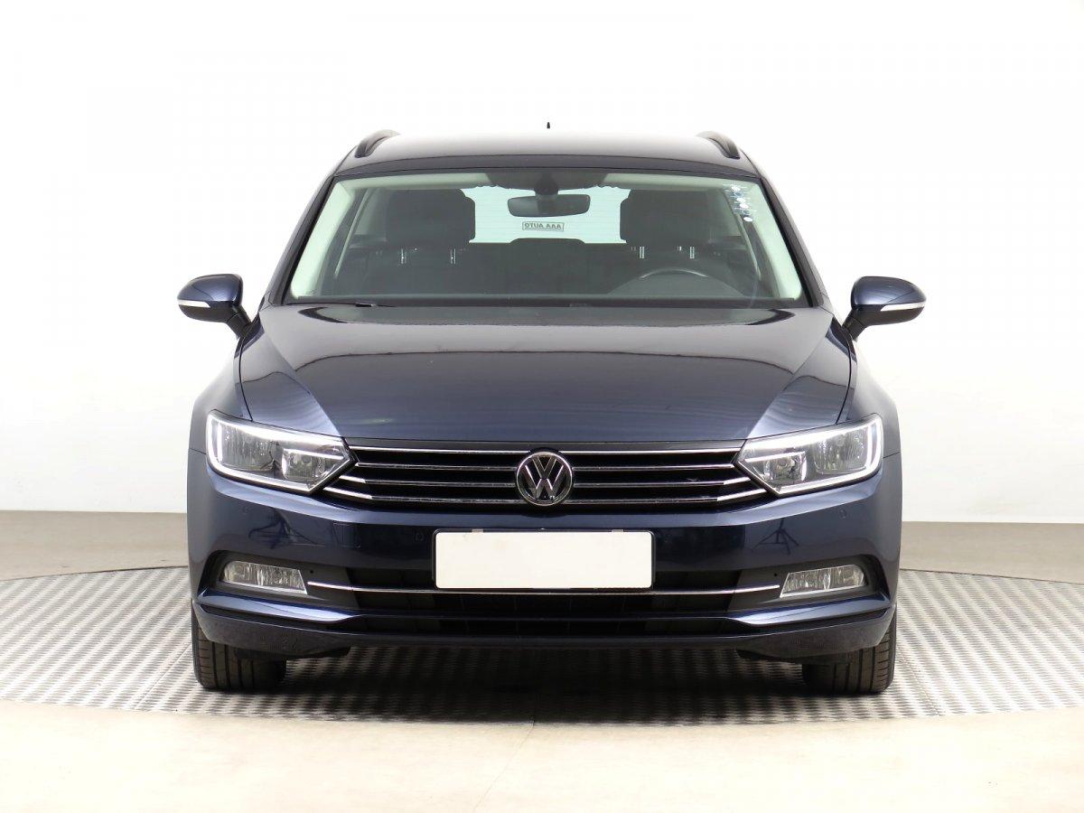 Volkswagen Passat, 2016 - pohled č. 2