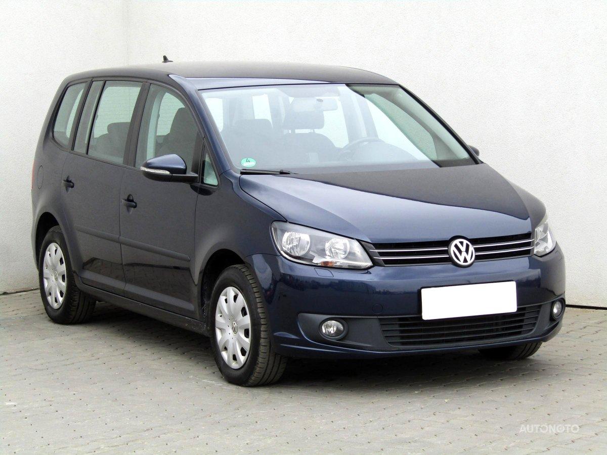 Volkswagen Touran, 2015 - celkový pohled