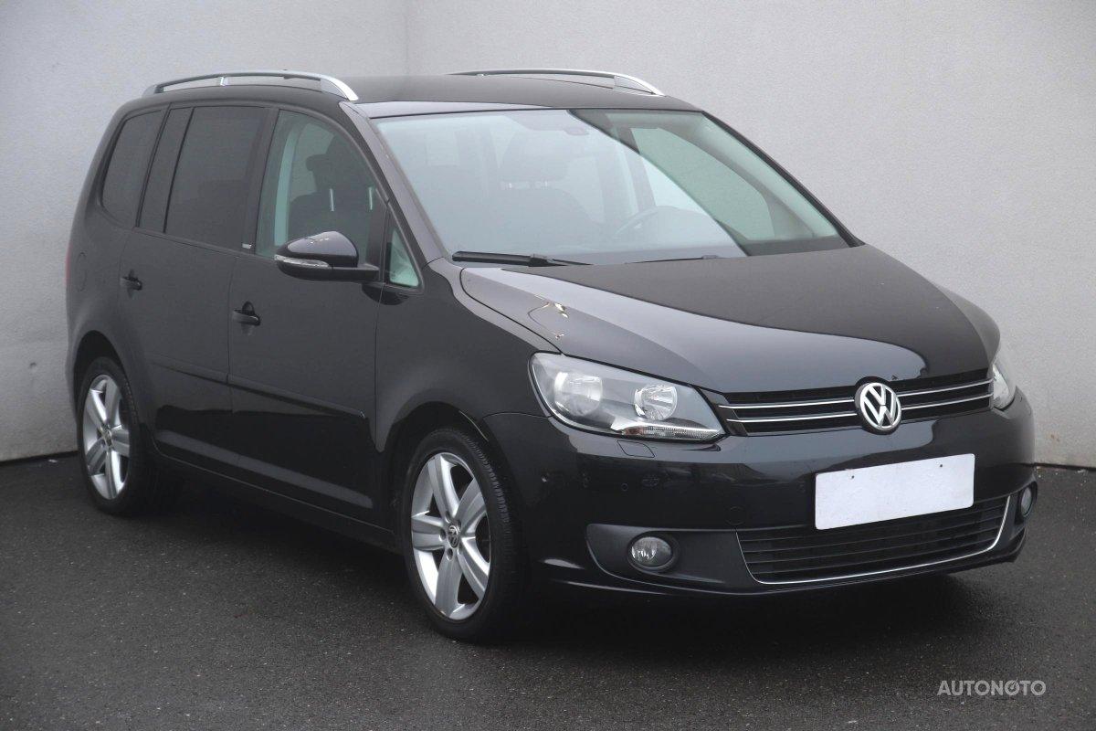 Volkswagen Touran, 2011 - celkový pohled