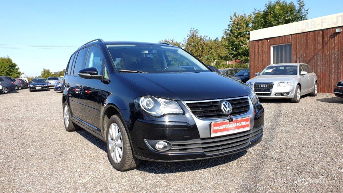 Volkswagen Touran, 2010 - celkový pohled
