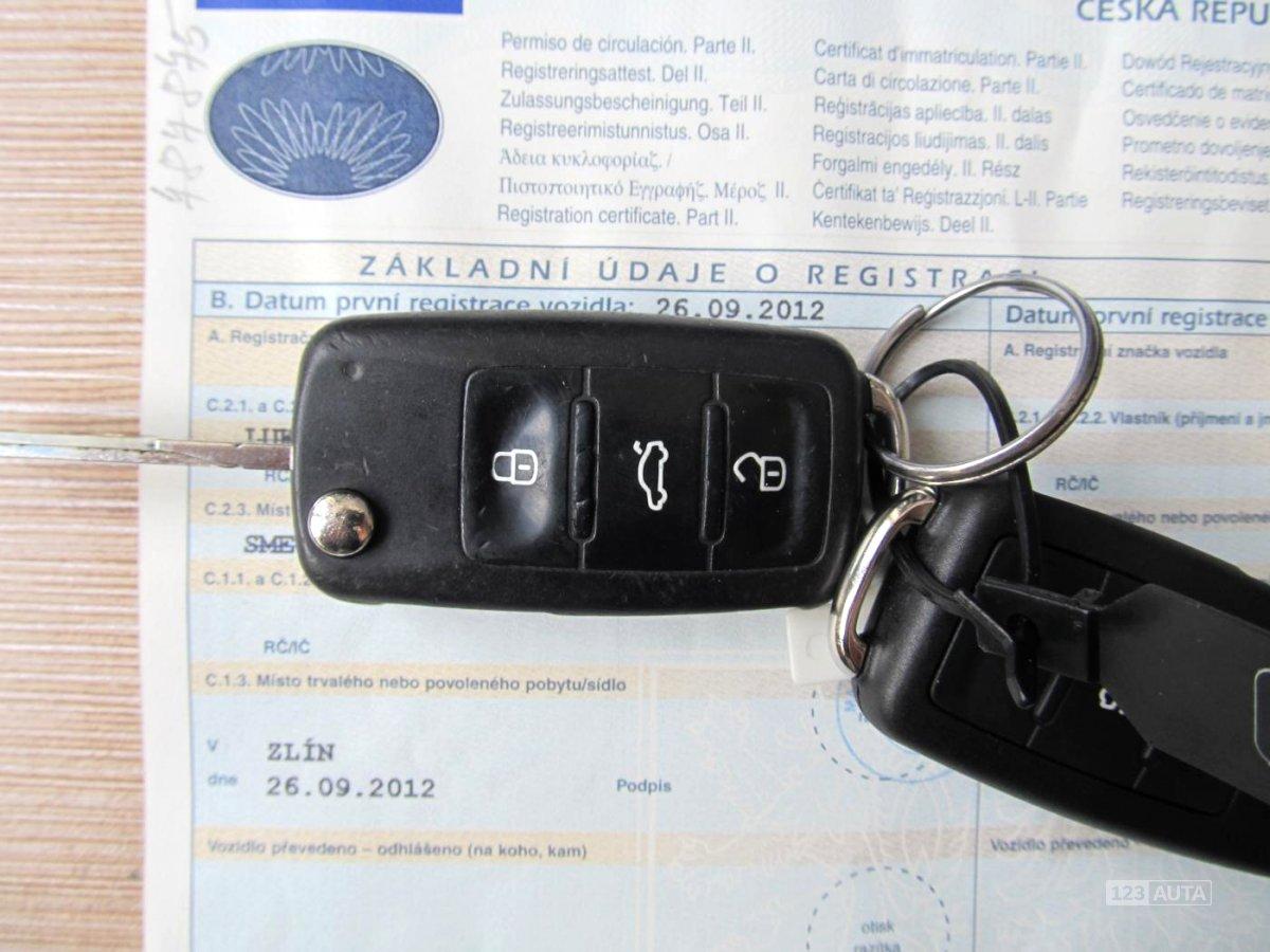 Volkswagen Transporter, 2012 - celkový pohled