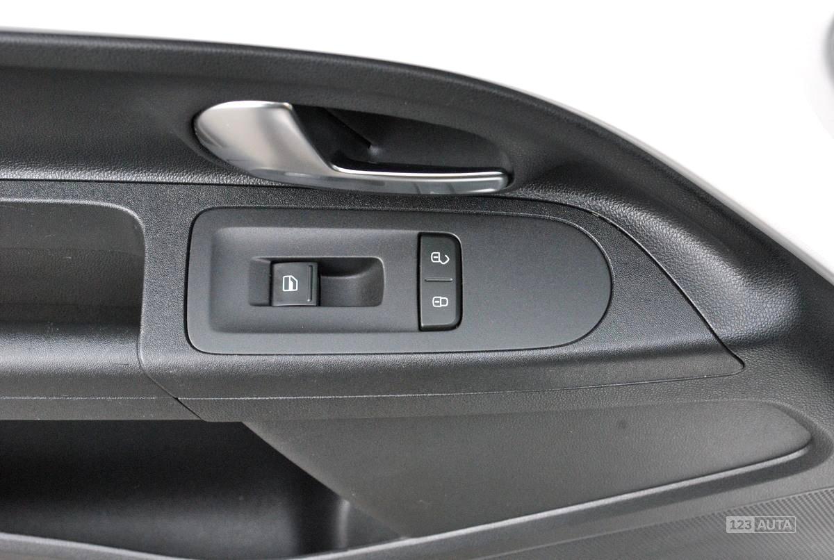 Volkswagen up! , 2014, 19 735 km, 140 000 Kč Volkswagen Up