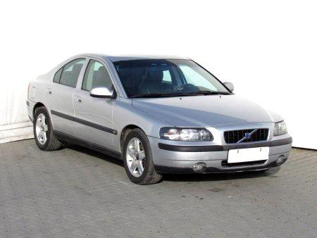 Volvo S60, 2004
