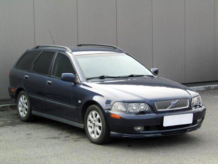 Volvo V40, 2002