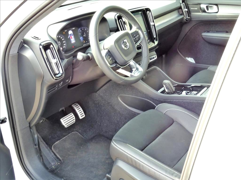 Volvo XC40, 2018 - pohled č. 8